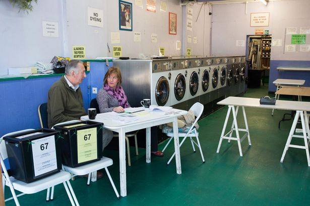PAY--A-Launderette-in-Oxford-as-a-polling-station